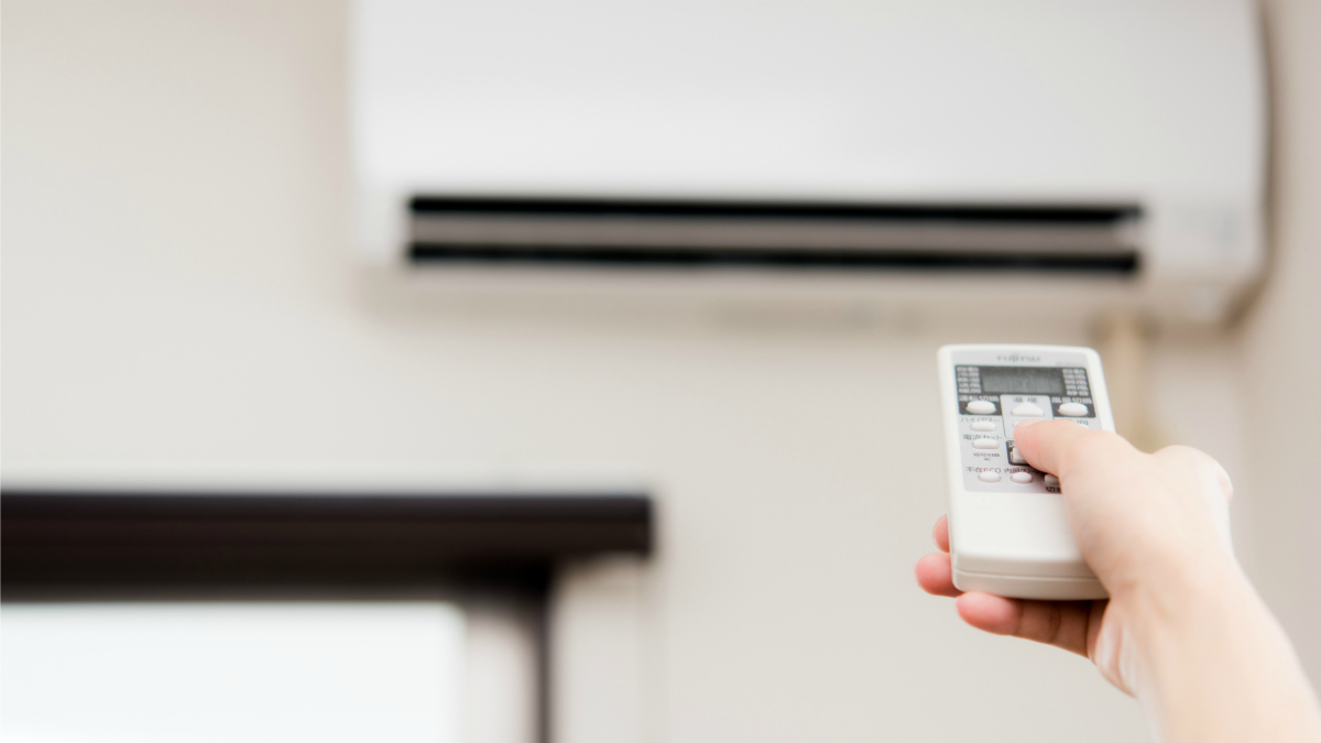 オフィスの空調問題を産業医が解決。冷房は寒い人、暑がりな人、どちらに合わせるべきか?