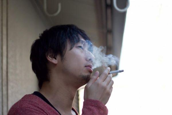 オフィスの受動喫煙で病気になったら、会社が訴えられるって本当?